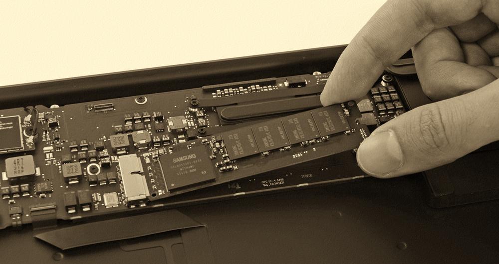 SSD pe PCI Express adăugat în laptop